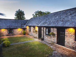 Charming 3 bedroom cottage in glorious Devon countryside, indoor pool & sauna