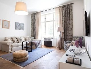 Chic and Spacious Apartment 5min from Historic Prague by easyBNB