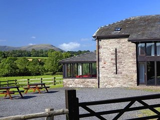 Beacons Lodge - Five Bedroom House, Sleeps 10