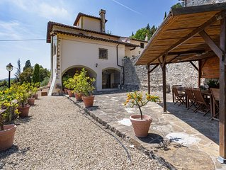 Wonderful private villa with private pool, WIFI, TV, pets allowed and parking, c