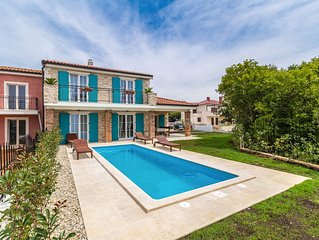 Beautiful luxurious holiday home - private pool, balcony with sea view, garden a
