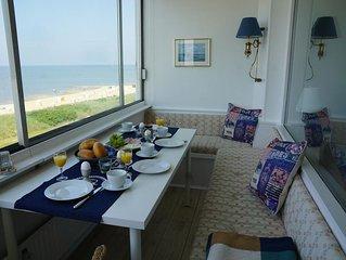 Maritim ausgestattete Ferienwohnung mit wunderschönem Seeblick und Schwimmbad