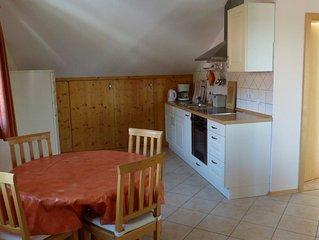 Ferienwohnung mit Bergblick, 55 qm Obergeschoss, 1 separates Schlafzimmer