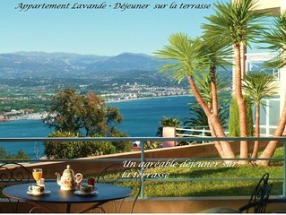 2 pieces, vue mer panoramique, parking prive, piscine, WIFI