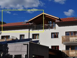 Schone und moderne Dachwohnung im 3.