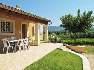 Vacation home in Valréas, Mont Ventoux surroundings - 6 persons, 3 bedrooms