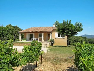 Vacation home in Valreas, Mont Ventoux surroundings - 6 persons, 3 bedrooms