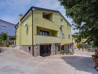 Three bedroom apartment with terrace Mali Lošinj (Lošinj) (A-16019-a)