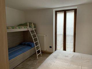 Appartamento nel centro storico del borgo affrescato di Parlasco