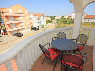 One bedroom apartment with terrace Pašman (A-8215-a)