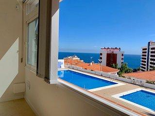 Bonito apartamento con piscina, terraza y vistas al mar