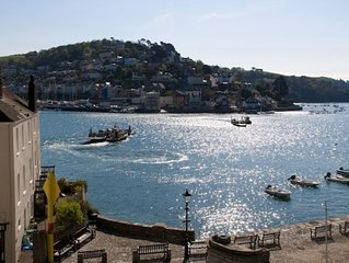 Fantastic River Views from superbly positioned house almost on the level Sleeps6