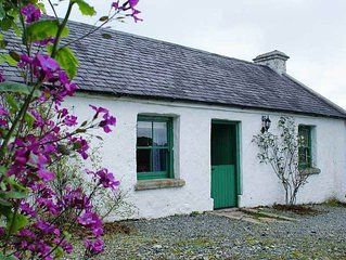 Peggy's Cottage - Two Bedroom Cottage, Sleeps 4