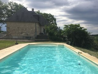 360 country Panoramic views - stone house with 5 ha land, private pool,