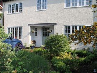 Spacious & Modern House in Oxford City Sleeps 8