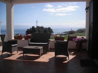 Panorama spettacolare e ogni confort,veranda e terrazza vista mare,SUPER RECENSI