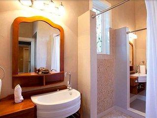 3 bedroom Seaside Cottage - Pool/Beach/Wifi/Restaurant/House keeping HCN