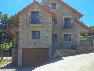 Ribeira: Casa de piedra, ideal para 3 o 4 parejas (8 personas)