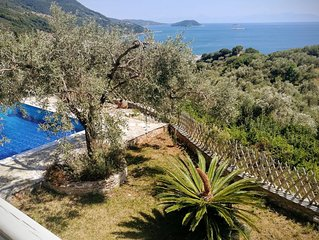 Villa Glikeria, W/pool, Lovely Sea Views And Close To Everything
