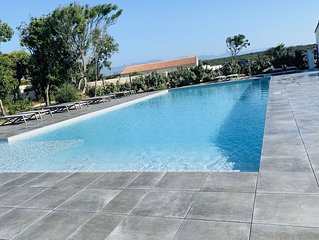 Charmante villa T3 neuve, piscine et parking