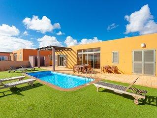 Villa Domingo: Large Heated Private Pool, Sea Views, A/C, WiFi