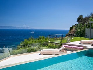 5 bedroom Villa, sleeps 10 with Pool, Air Con and FREE WiFi