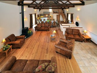 Large 5 star barn conversion on Exmoor, sleeping 16 guests in 8 ensuite rooms.