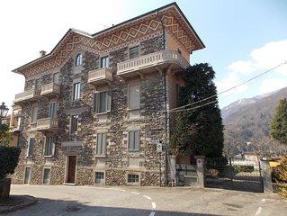 Il Castello, op een paar passen afstand van het Lago Maggiore met meerzicht