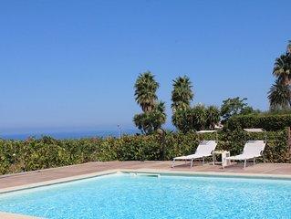 Joli apt avec piscine and vue mer