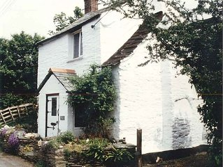 Boscastle: Picturesque Cornish Cottage