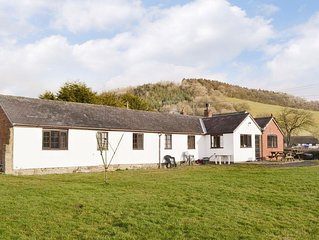 6 bedroom accommodation in Craven Arms
