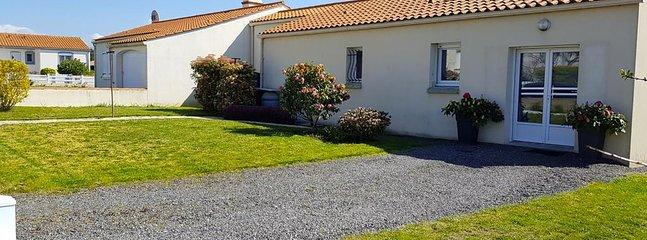 Aluguel em Landevieille - Flores da frente e de fora