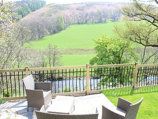 Tranquil cottage in quiet hamlet 3 miles from Llangollen & 2 mins from local pub