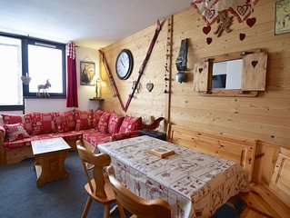 Tres joli appartement deco style montagnard  depart et retour a ski au pied de l