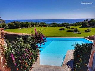Villa con piscina a Puntaldia: Villa Beth