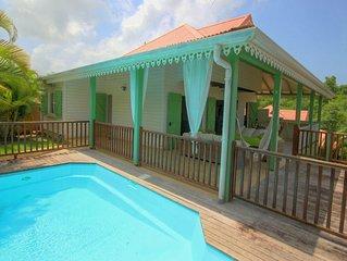 Belle villa avec piscine et vue mer (MQTI14)