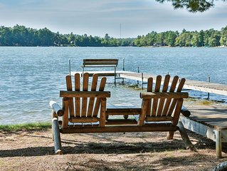 Cottage  10 - Hiller's Pine Haven - HOT TUB overlooking the lake! - Free WIFI