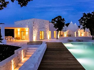 4 Bedroom Trullo, private infinity pool with country views, close to Ostuni and