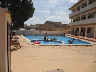 6 badds lagenhet 600 m fran Roda Golfbana med en takterass och Pool