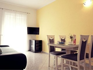 Bautiful apartment with sea view 102