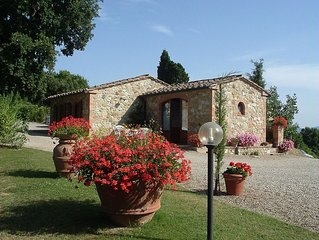 Lovely cottage with panoramic pool. Just 1 km far from the village Casole.
