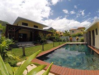 Grande maison avec jardin et piscine