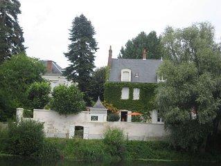 Face au château de St Aignan, maison de charme, 10 personnes