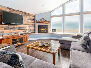 Serendipity, beautiful ocean-front home with beachside hot tub, dogs okay.