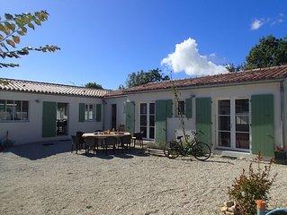 Maison réthaise,  à proximité des plages, au coeur de l'Ile de Ré