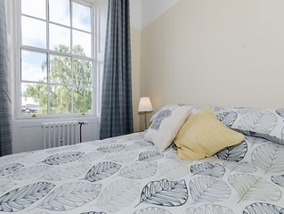 Spacious 1 bedroom apartment with sofa bed and kitchenette
