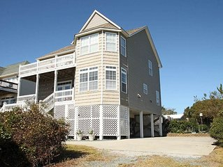 Cox Landing: 5 BR / 3 BA home in Oak Island, Sleeps 10
