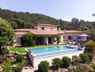 Villa agreable & spacieuse avec piscine au ceour des vignes et proche des plages