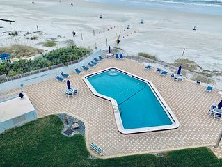 'Beach Daze' Just off Flagler Ave- 2 bed 2 bath condo with spectacular views!