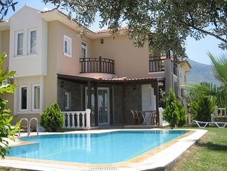 Sunny Villa Jaska, one minute level walk to dolmus bustop and local supermarket